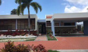 Mansiones del Sur $395,000 Remodelada